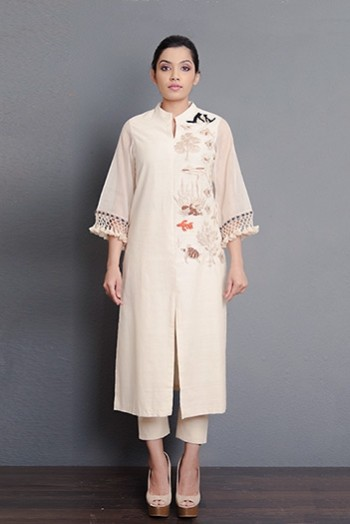 Off-white handwoven hand embroidered front slit kurta with kota sleeves and tassel detailing