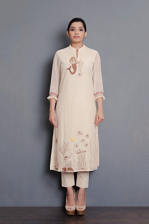 Off-white handwoven full hand embroidered kurta with kota sleeves