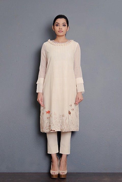 Off-white handwoven hand embroidered kurta with kota inverted pleat sleeve